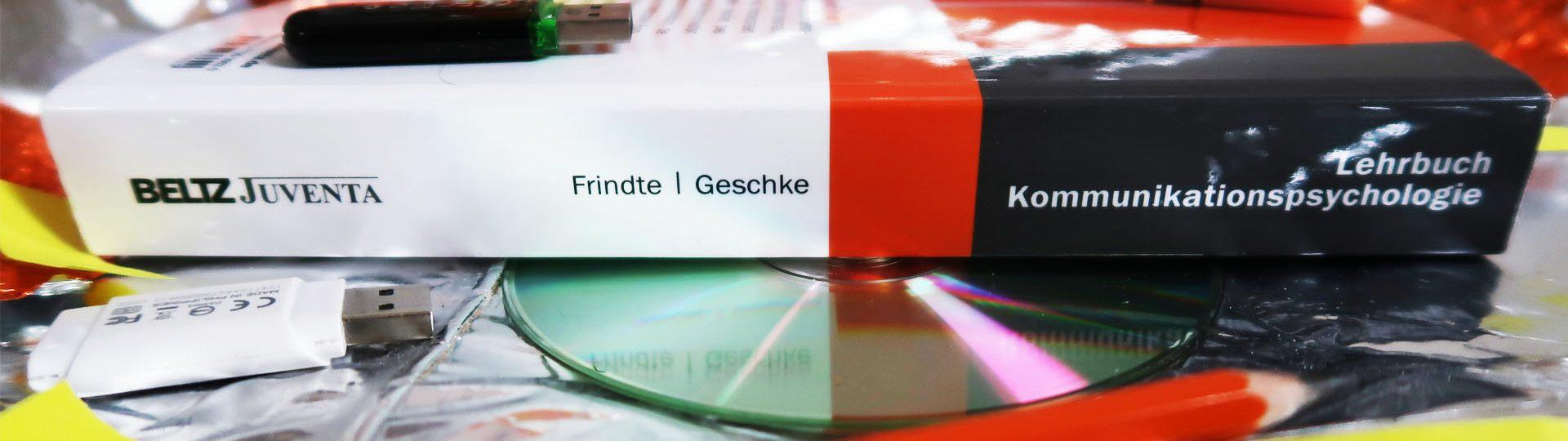 vielfalltag_bild2_Lehrbuch Kommunikationspsychologie_Frindte_Geschke